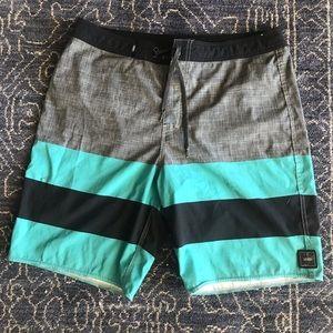 Men's vans board shorts swim trunks size 34